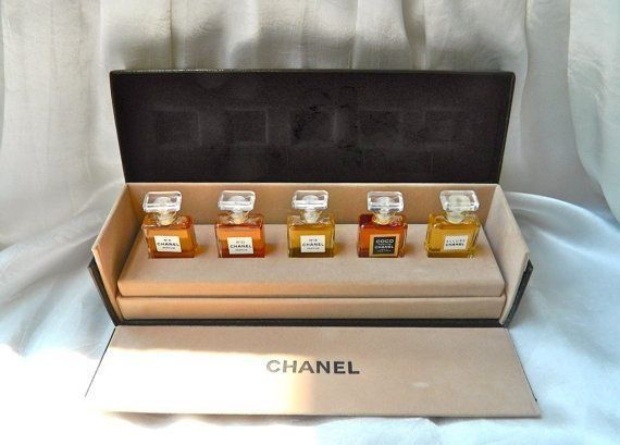 cosmetics packaging chanel